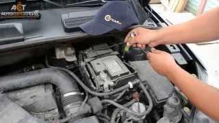 Замена аккумулятора Ford Kuga 2.5 бензин - Bosch S4 72Ah R+ (низкобазовый)(, 2015-10-12T06:47:19.000Z)