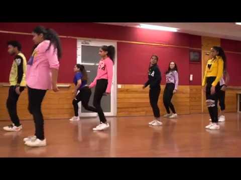 Bum Diggy Diggy Bum Bum\\Zack Knight\\Deepu Singh Choreography \\Dazzlers