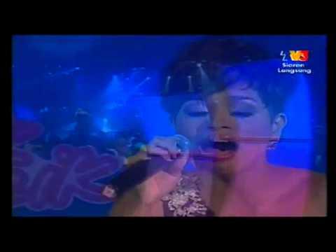 Sedetik Lebih - Jaclyn Victor (Separuh Akhir 3 MuzikMuzik 26-2011) - YouTube