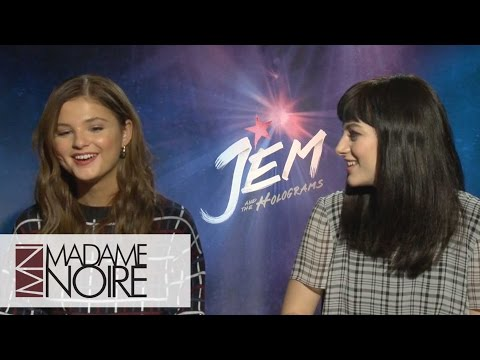 Aubrey Peeples And Stefanie Scott Talk The Advantages & Dangers Of Social Media