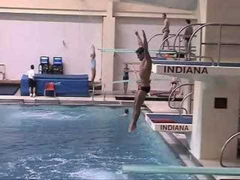 Indiana diving bloopers doovi for Swimming pool diving board tricks