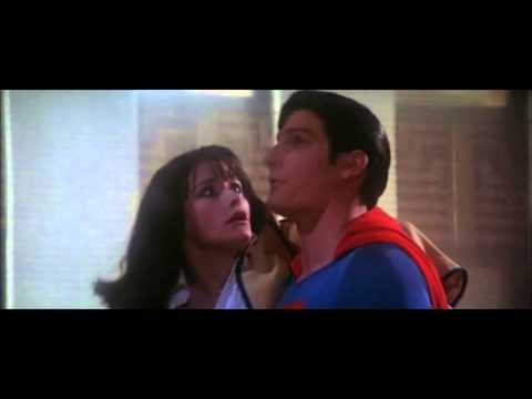 Superman Saves Lois - Superman the Movie (1978)