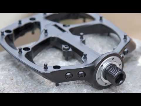 68ec4ba19c3 Boomslang Flat Pedals - Specialized 2015 - YouTube