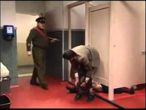 มิสเตอร์บีน กับวันหยุดสุดป่วน ตอนไปเยี่ยมค่ายทหาร   YouTube