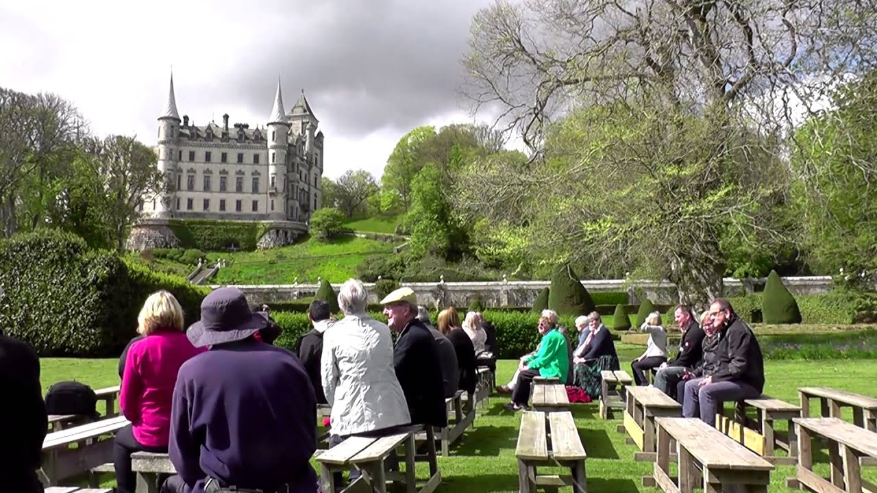 Dunrobin Castle With Falconry Etc 2017