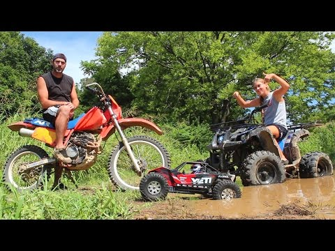 RC Mud Puddle Bash With My Daughter Mya - Axial Yeti XL & ATV Action