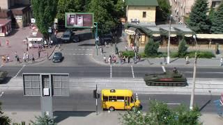 Большая колонна тяжелой военной техники на улицах Луганска. Репетиция парада 21.06.20г.