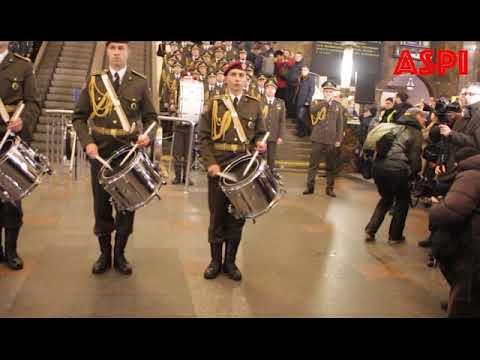 Військові влаштували музичний флешмоб до Дня пам'яті Героїв України