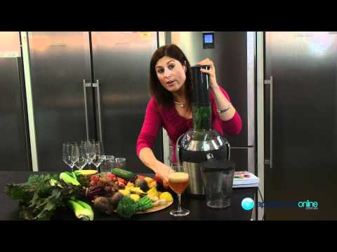Expert demonstration of the Philips QuickClean HR1871 Juicer - Appliances Online