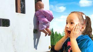 Fun Playing Hide and Seek, Peek-A-Boo Ulya and Baby Dolls