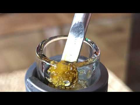 Dabs of terpy lemon haze sugar wax the best e-nail kit in the world! Grab your enail at DabFarm.com!