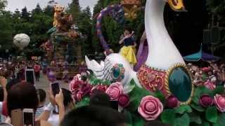 Disneyland Hong Kong - Flights Of Fantasy Parade