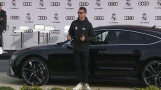 Los jugadores del Real Madrid reciben sus nuevos 'Audi'