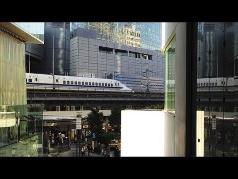 Shinkansen ~Bullet Trains Running between Buildings in Tokyo~ [iPhone 4S/HD]