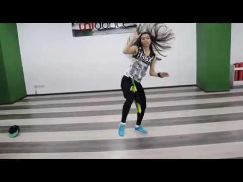 Смотреть клип Танцевальная студия Unidance: Бесплатный урок Dancehall от Анастасии Скрундь онлайн бесплатно в качестве