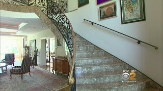 Living Large On CBS2 New York - Inside The Poshest Digs