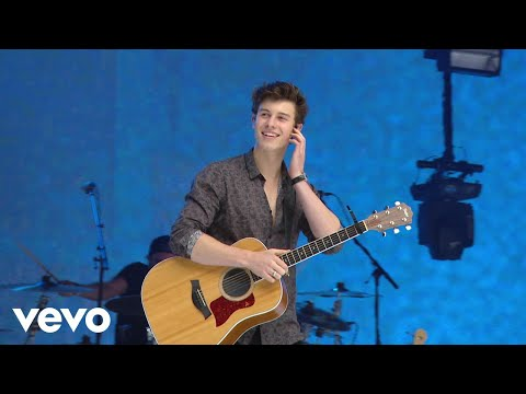 Shawn Mendes - There's Nothing Holdin' Me Back Live At Capitals Summertime Ball