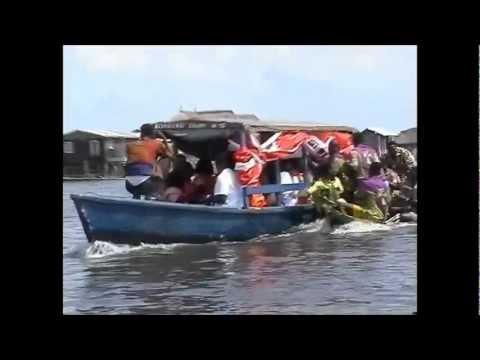 Canoe trip to Ganvie in Benin
