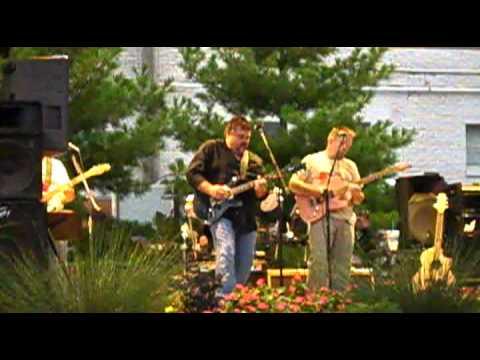 House is a rockin----- Freddy's Freeloaders