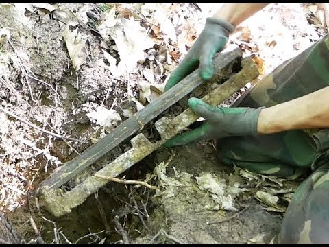 """Metal detecting - """"Opening a mysterious box"""" (Eastern Front)"""