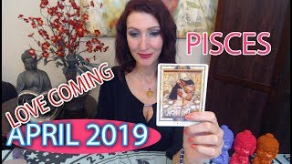 "PISCES SOULMATE TAROT ""TRUE LOVE HAS COME!!!"" APRIL 2019 MONTHLY TAROT READING"
