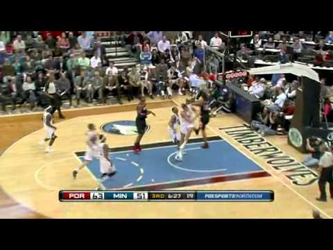 Nicolas Batum dunks on Darko Milicic