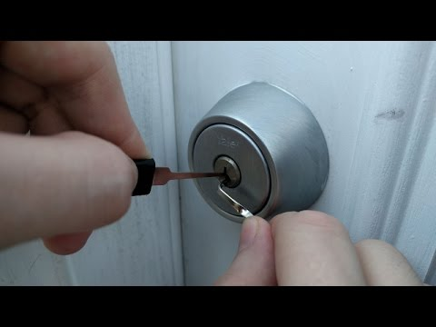 How To Lock Pick A Locked Door In Under A Minute Tutorial How To