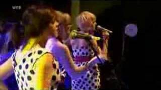 The Pipettes - Your Kisses Are Wasted On Me (Live Rocknacht 2007)