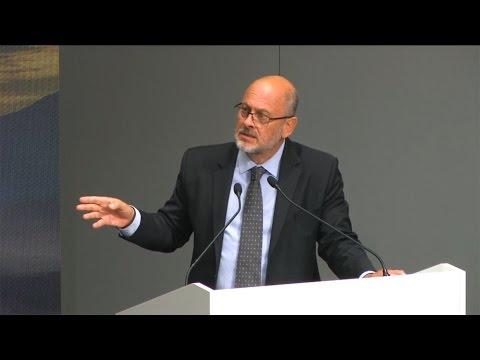 Tim Flannery | Climate Change, Targets, and the Role of Carbon ...