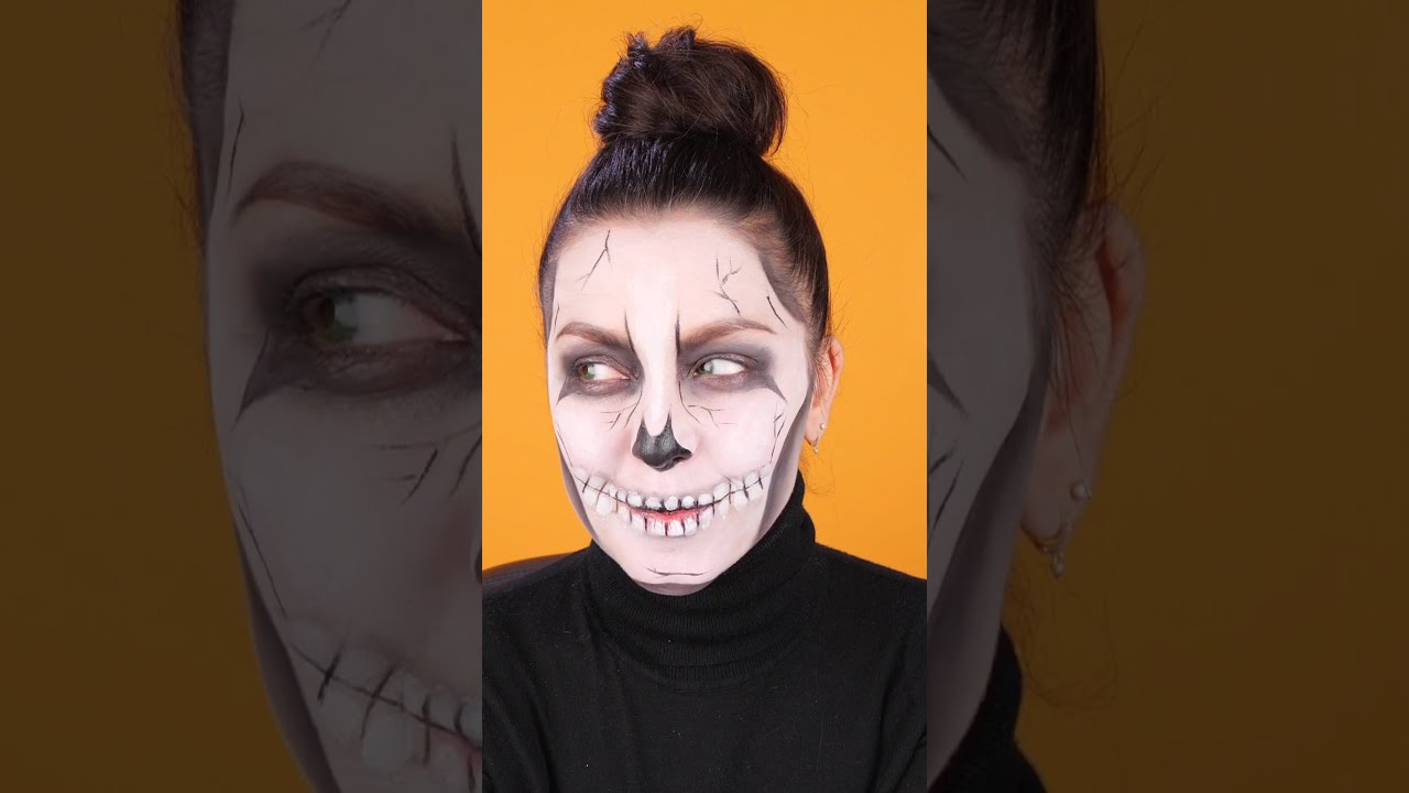 Studio - How to - Halloween Makeup - 💀 Vertical Skull 2020 #Studio #halloween #trickortreat