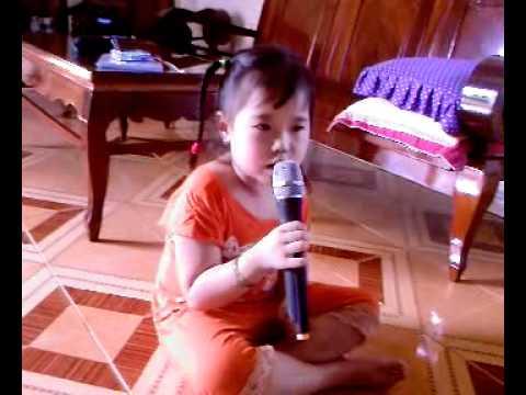"""Bé My 4 tuổi hát """"Gọi Giấc Mơ Về"""""""