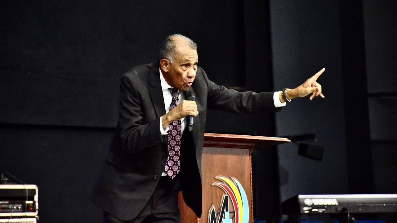 Venciendo al principal enemigo Principal   Prédicas Cristianas 2021   Pastor Ezequiel Molina Rosario