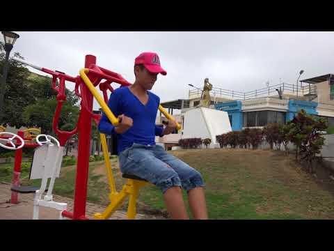 Alcaldía de Chone realiza trabajos de mejormiento de áreas verdes y parques