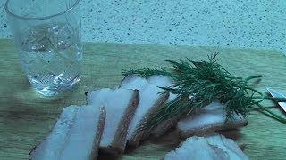 Как засолить сало быстрым способом(Быстрый и простой, но не плохой домашний рецепт приготовления вкусного и нежного сало в луковой шелухе..., 2014-01-23T16:50:19.000Z)
