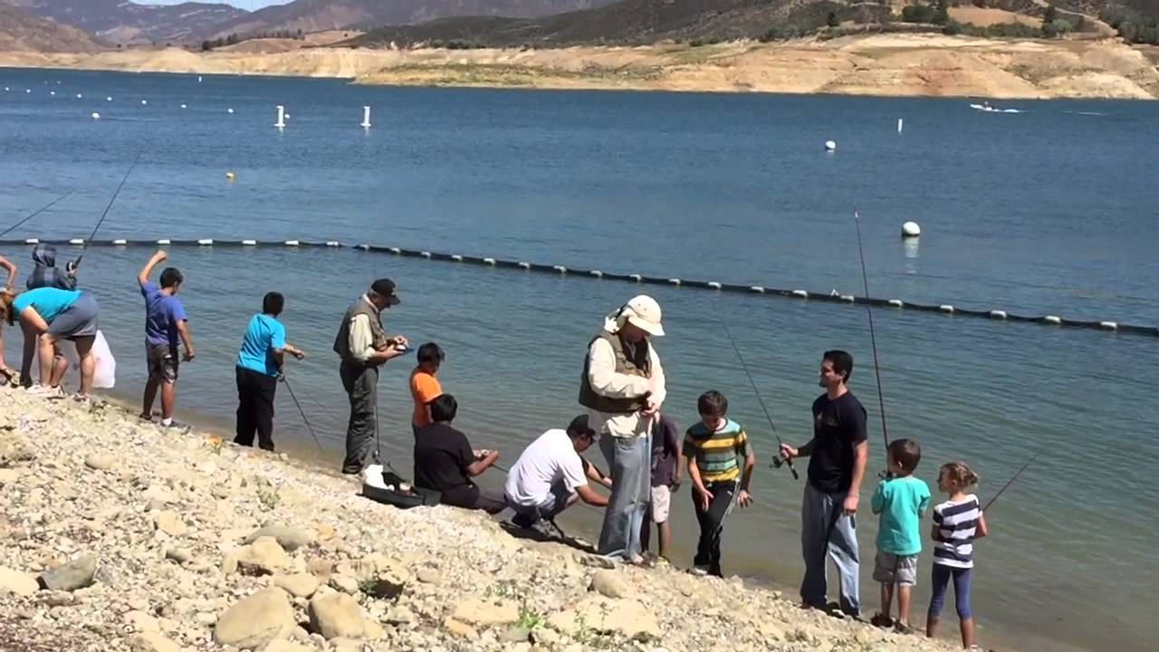 Fishing at castaic lake youtube for Castaic fishing report