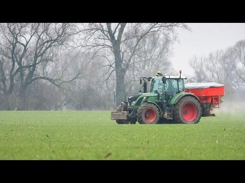 Fendt Vario 724 and Rauch Axis H EMC+W Agrospol s.r.o East Slovakia