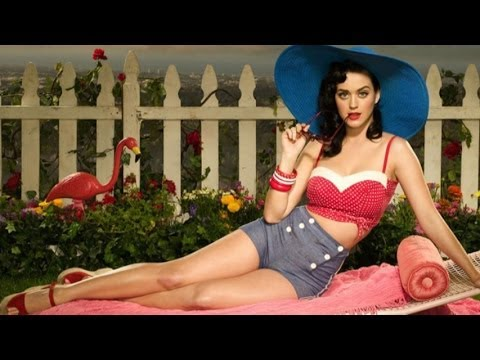 Top 10 Outrageous Female Music Fashion Icons