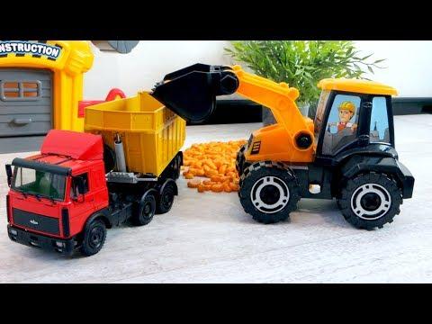Трактор - игрушка для детей. Собираем трактор погрузчик. Машины для детей