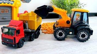 видео Детские тракторы-игрушки