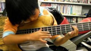 Girl Kids Bass Player / Bass Tapping