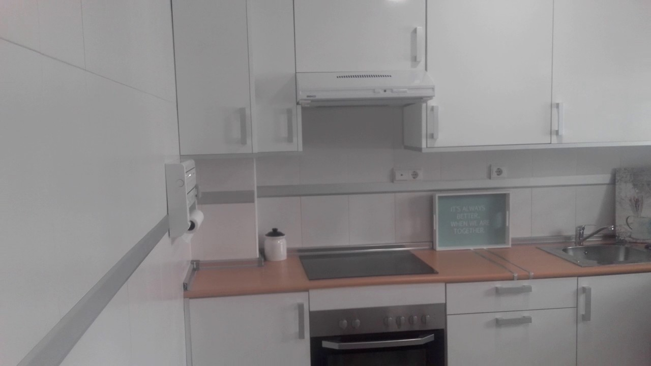Recubrir cenefa cocina o ba o sin obras youtube - Tapar azulejos sin obra ...