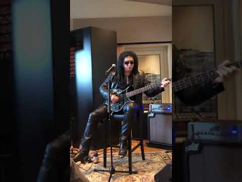 Gene Simmons Vault Sweetwater - Bass Track Recording