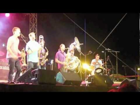 GET7 Brass Band - AP Touro (New Birth Brass Band cover) @ Scène des Poly