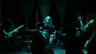 Royal Teeth- Paper Cut (Live) @ The Tank Room Kansas City Jan. 20, 2017