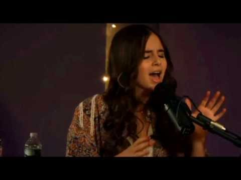 Carly Rose Sonenclar sings