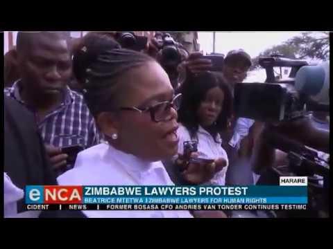 Zimbabwe lawyers protest