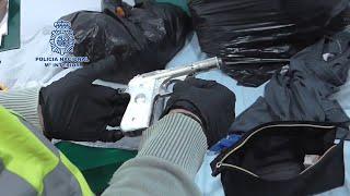 Policía interviene más de dos toneladas de hachís y armas de guerra en Murcia