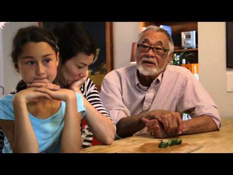 Allan Kate & Emilia make Japanese Canadian Chow Mein Sandwiches