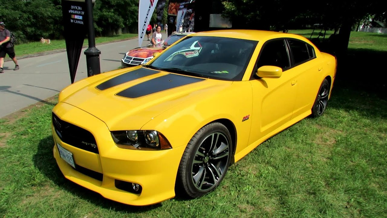 2012 dodge charger srt8 super bee exterior 2012 nascar napa auto parts 200 montreal youtube. Black Bedroom Furniture Sets. Home Design Ideas