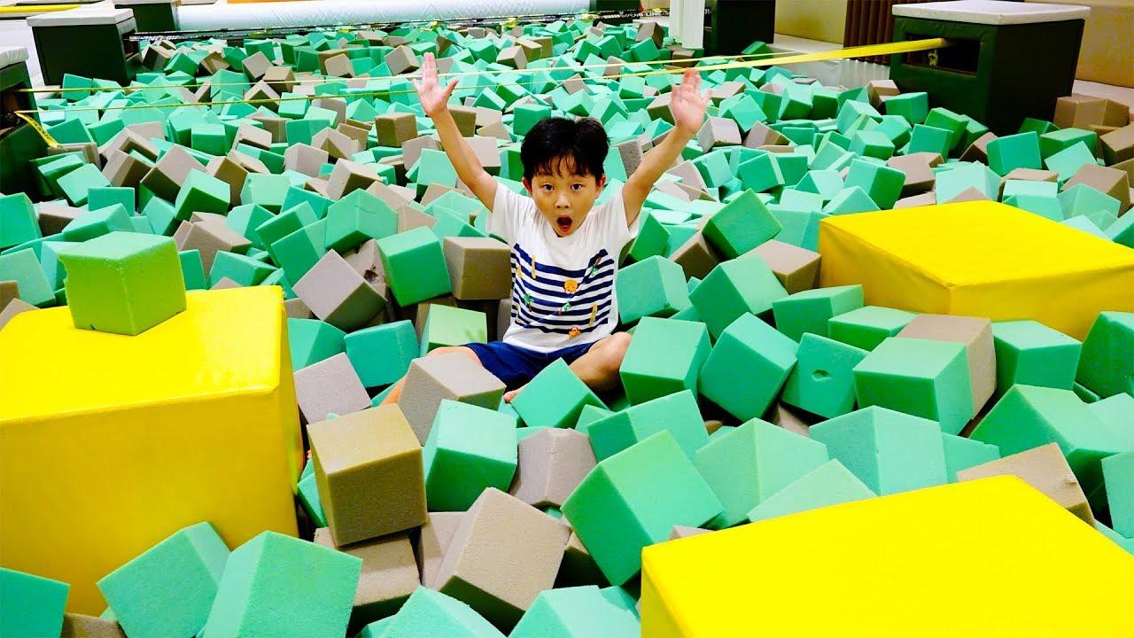 예준이가 플레이즈 점핑 파크에서 놀아요 키즈 놀이터 플레이 하우스 서울숲 어린이 테마파크 Indoor Playground for Kids Funny Video